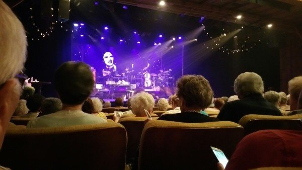Retirement community in Charlotte activity to see live music